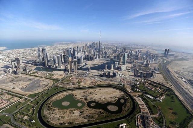 Khoảnh khắc hoành tráng đẹp khó tin của Dubai nhìn từ trên cao - 1