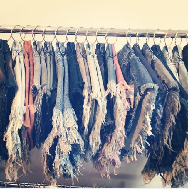 Giá treo hoàn hảo dành cho những chiếc quần short jean.