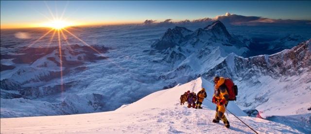 Đỉnh Everest – nóc nhà thế giới, từ lâu vẫn là đỉnh cao chinh phục của các nhà leo núi chuyên nghiệp