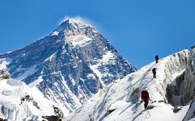 Với kế hoạch này, Trung Quốc hi vọng sẽ thu hút lượng khách đổ về Tây Tạng, giúp tăng trưởng kinh tế khu vực này