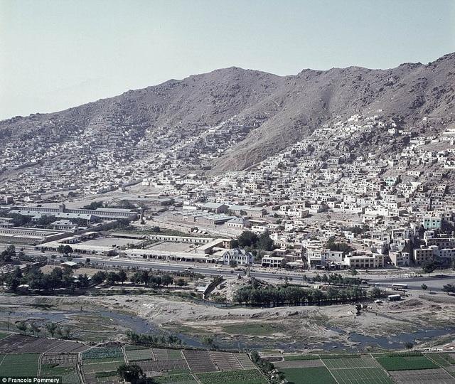 Nhìn thủ đô Kabul từ trên cao.