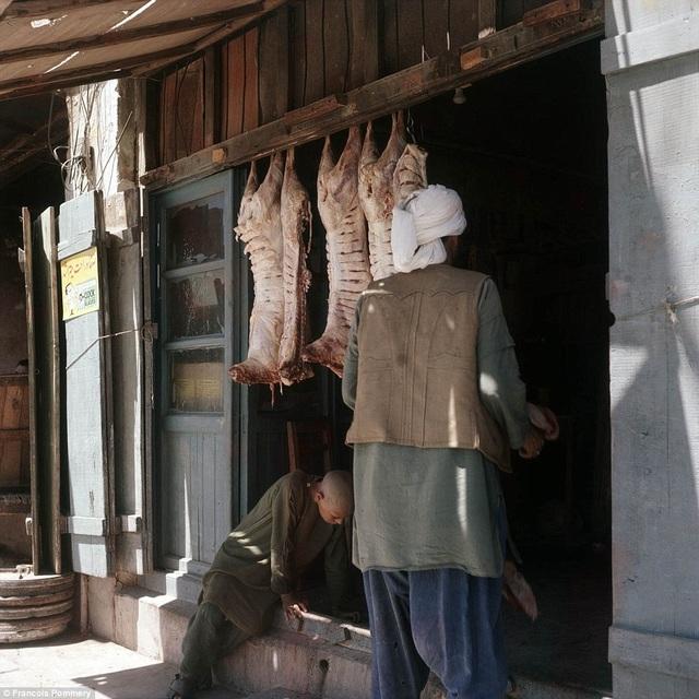 Một cửa hàng bán thịt ở Herat.