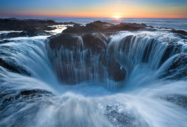 """Sóng biển """"đóng băng"""" và những khoảnh khắc kỳ diệu không thể tin nổi - 8"""