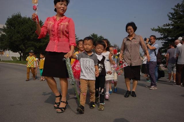 """""""Các mầm non tương lai"""" ở Triều Tiên."""