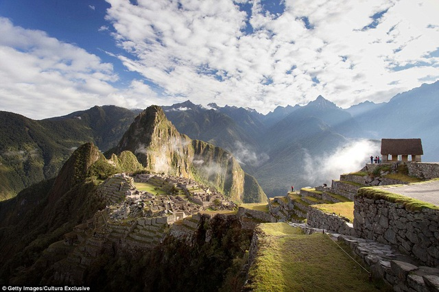 Đến Machu Picchu vào dịp sáng sớm để bắt đầu hành trình khám phá mới lạ.