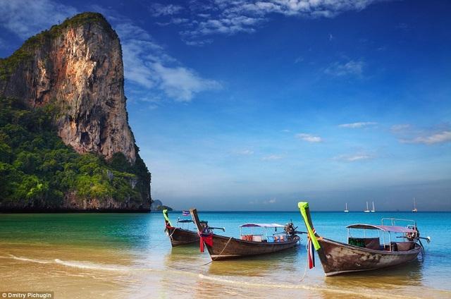 Báo nước ngoài giới thiệu nên đến Việt Nam vào tháng 10 - 4