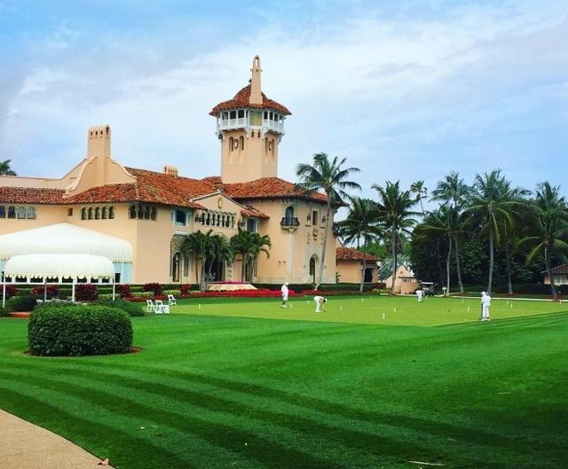 Sân golf trong khu nghỉ dưỡng
