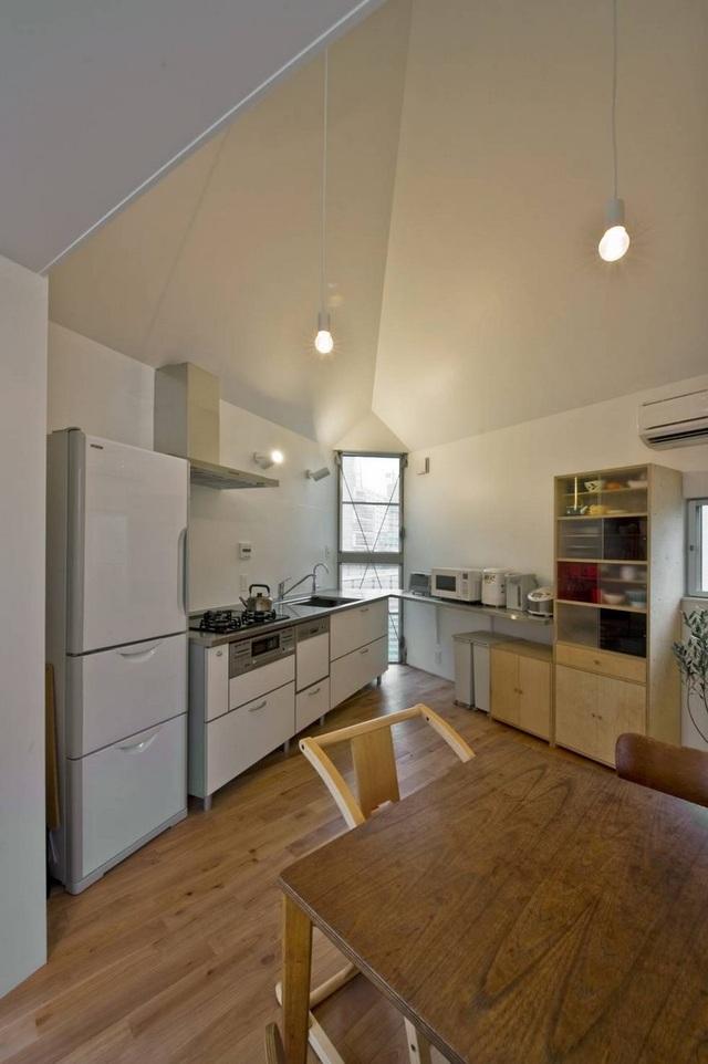 Căn bếp nhỏ xinh nhưng đầy đủ các thiết bị tiện nghi