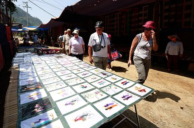 Du khách quốc tế nói rằng chợ ở Cốc Ly là chợ đẹp nhất Lào Cai.