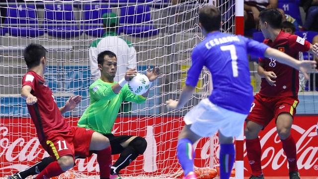 ... kết quả thua 0-2 cũng vừa đủ để đội tuyển futsal Việt Nam đi tiếp, viết tiếp một trang sử mới: Lần đầu tiên vào vòng knock-out giải vô địch thế giới