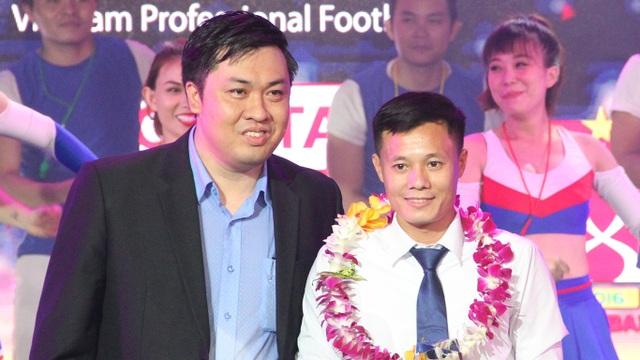 Riêng Thành Lương (phải) là cầu thủ ghi bàn đẹp nhất V-League