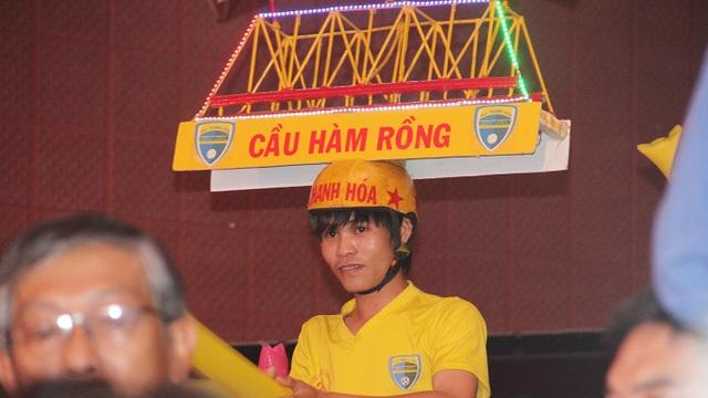 Một CĐV Thanh Hoá với hình ảnh ấn tượng
