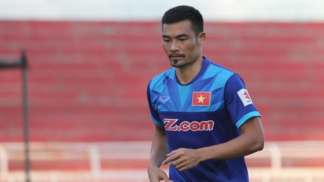 Trung vệ Đình Luật vẫn phải tập riêng sau khi bị thương cổ chân từ trận giao hữu với Avispa Fukuoka