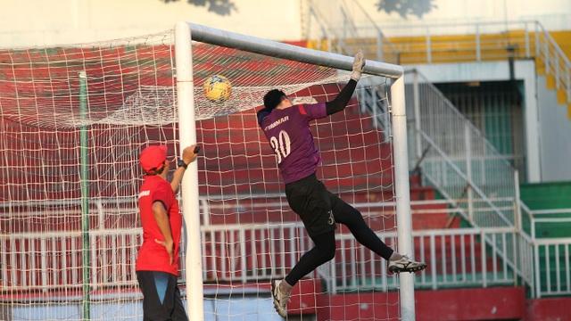 Đội tuyển Việt Nam tranh thủ tập luyện trước khi lên đường tham dự AFF Cup 2016 - 7
