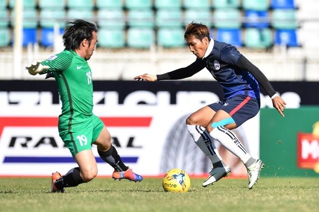 Pha đi bóng qua thủ môn Malaysia, và ghi bàn của Chan Vathanaka bên phía Campuchia, từ tình huống gây tranh cãi