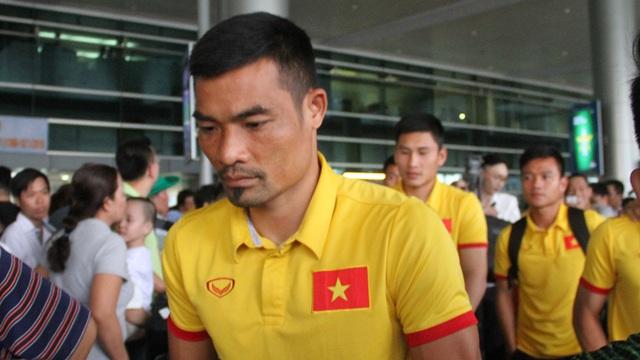 Trung vệ Đình Luật khoác áo CLB TPHCM trong mùa giải 2017 (ảnh: Trọng Vũ)