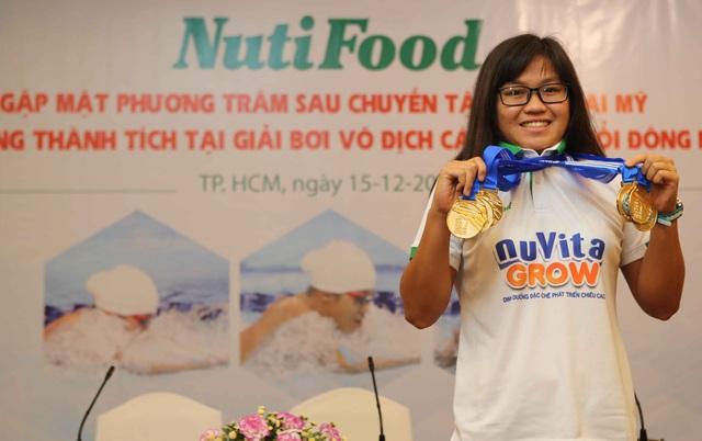 NutiFood thưởng 2000 USD cho cô trò Phương Trâm sau giải vô địch nhóm tuổi Đông Nam Á - 1