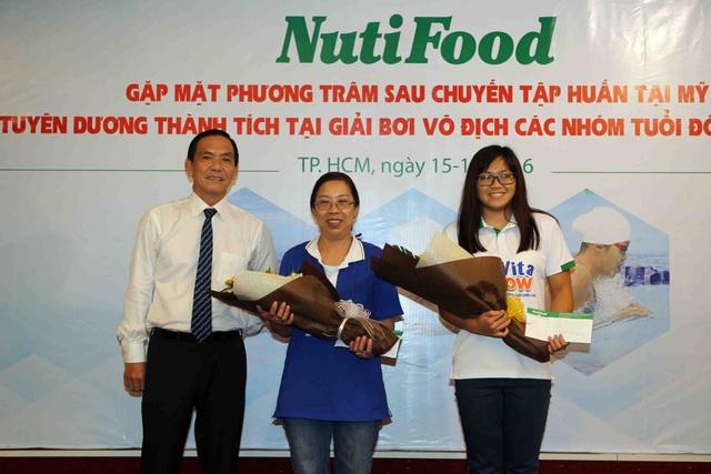 NutiFood thưởng 2000 USD cho cô trò Phương Trâm sau giải vô địch nhóm tuổi Đông Nam Á - 3