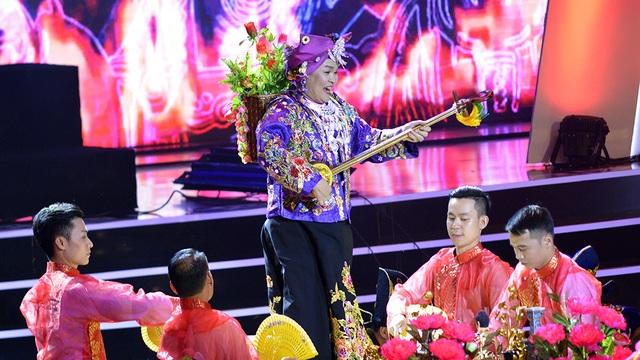 Xuân Hinh múa hầu đồng khiến khán giả choáng ngợp - 12