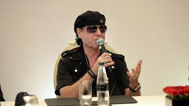 Ban nhạc rock huyền thoại Scorpions xuất hiện tại Hà Nội - 10