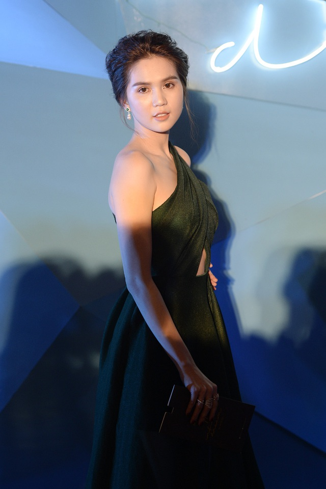 Người mẫu Ngọc Trinh.