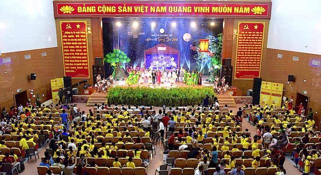 Tại địa bàn Nghệ An hơn 1000 trẻ em hai tỉnh Nghệ An - Thanh Hóa được vui đón Trung thu trong không khí đầm ấm.