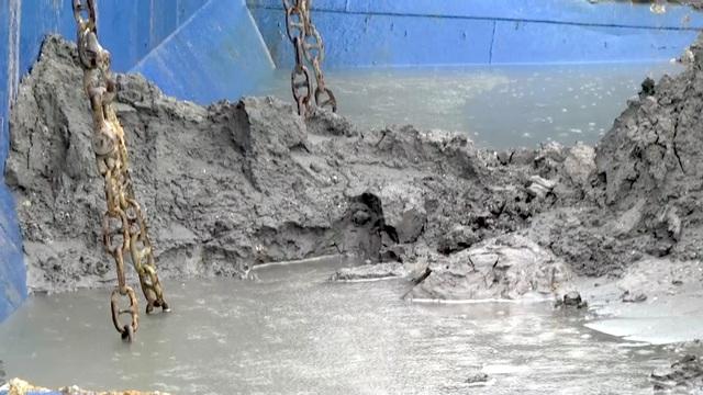 Số lượng bùn thải còn lại trong boong tàu.