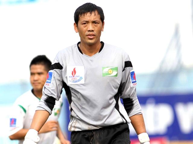 Tân HLV SLNA Đức Thắng một thời là thủ môn của đội tuyển Olympic Việt Nam và SLNA (Ảnh: L.G).