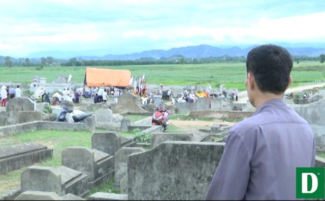 Người dân xã Thanh Lương lo lắng thời gian gần đây nghĩa trang đang gây ô nhiễm môi trường.