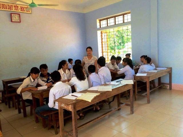 Một giờ học bàn tròn mang lại hiệu quả cao, tiếp thu được nhiều kiến thức mà cô Thủy truyền dạy cho các em.