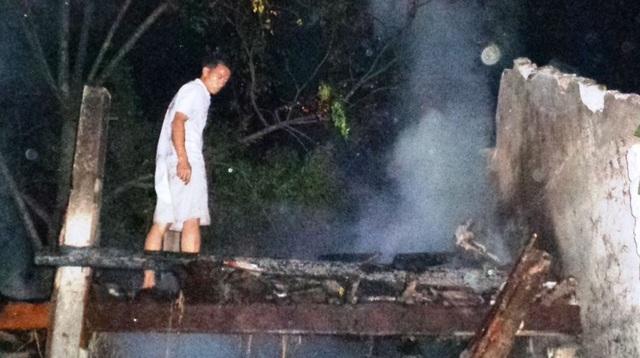 Ba gian chuồng trâu cháy rụi, chủ nhà nhập viện vì quá sốc - 3