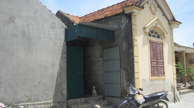 Căn nhà nhỏ đơn sơ là tài sản lớn nhất bố mẹ các em trước khi lìa cõi trần để lại.