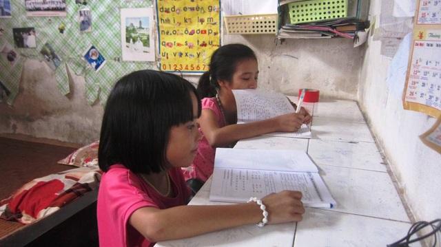 Các cháu đều thiết tha đi học và tự giác học bài.