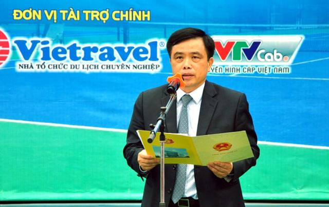Ông Huỳnh Thanh Điền - Phó Chủ tịch UBND tỉnh, Chủ tịch Liên đoàn quần vợt Nghệ An phát biểu tại lễ khai mạc.