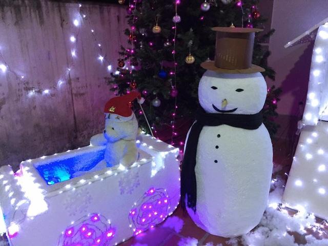 Không khí Noel tại nhiều gia đình giáo dân giáo xứ Cầu Rầm.
