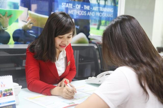 UEF nhận hồ sơ xét học bạ lớp 12 đến ngày 20/8