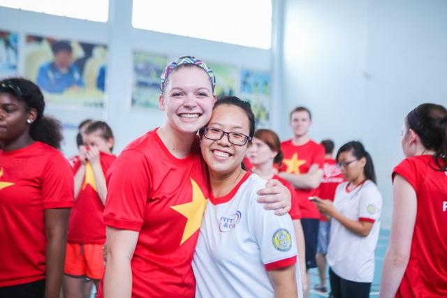 """Hoạt động giao lưu quốc tế thường xuyên giúp sinh viên UEF """"nâng cấp"""" ngoại ngữ, kỹ năng"""
