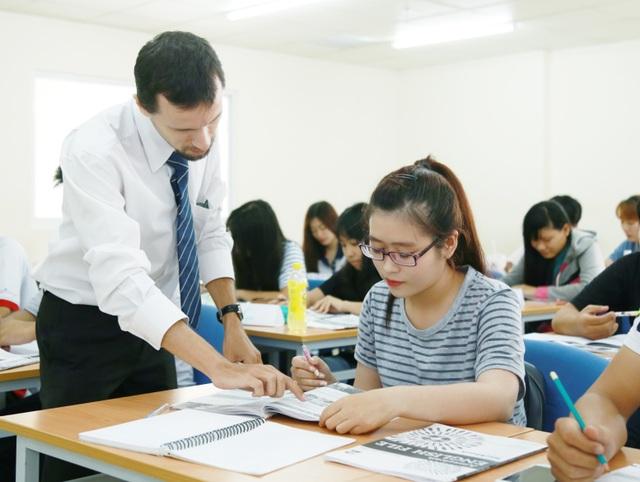 Hơn 50% thời lượng giảng dạy tại UEF là các môn học bằng tiếng Anh