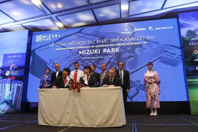 Lễ ký kết hợp tác KĐT Mizuki Park với 2 đối tác Nhật Bản Hankyu Realty & Nishi Nippon Railroad
