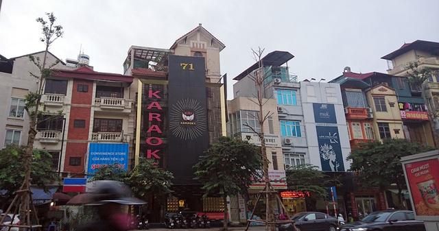 Trong ảnh là một cơ sở karaoke trên phố Đào Tấn.
