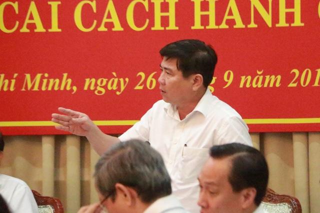 Chủ tịch UBND TPHCM Nguyễn Thành Phong nhấn mạnh mục tiêu của TP là hướng đến phục vụ người dân, doanh nghiệp tốt hơn