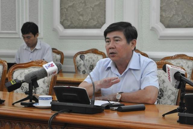 Chủ tịch UBND TPHCM Nguyễn Thành Phong cho biết TP luôn lắng nghe để hỗ trợ cho dự án khởi nghiệp để tiến tới con số 500.000 doanh nghiệp vào năm 2020