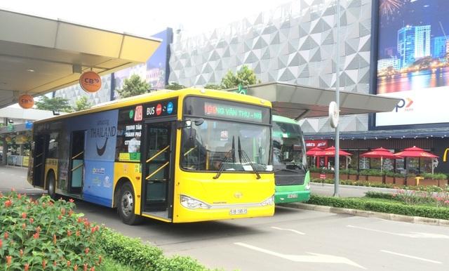 Xe buýt chạy tuyến sân bay Tân Sơn Nhất - trung tâm TPHCM