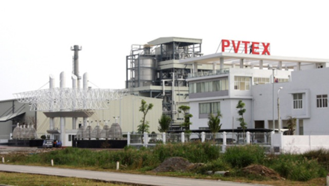 """Lãnh đạo PVTex thừa nhận việc nhà máy phải tạm ngừng hoạt động, phải trả giá vì đã đầu tư kiểu """"đếm cua trong lỗ"""", không lường được hết khó khăn khi lấn sân từ lĩnh vực dầu khí sang làm """"công nghiệp phụ trợ"""" cho dệt may."""