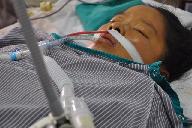 Bị nhiễm độc thai nghén và sản giật khiến chị Huyền rơi vào tình cảnh nguy kịch.