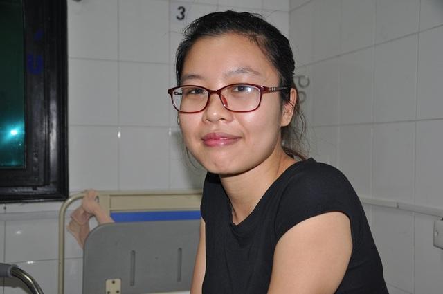 Sau gần 2 tháng điều trị tại bệnh viện Việt Đức, đến nay Ngọc đã chuyển sang khoa tập phục hồi chức năng.