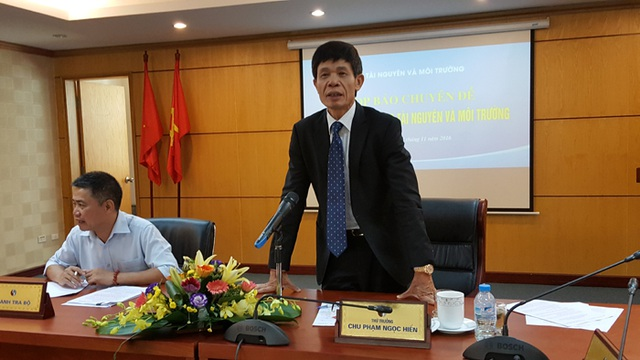 Thứ trưởng Chu Phạm Ngọc Hiển trả lời tại cuộc họp báo (Ảnh: Thế Kha)