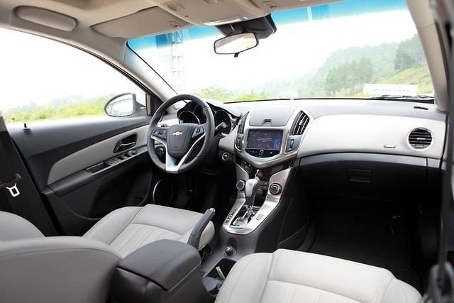 Chevrolet Cruze - Cú hích của GM - 10