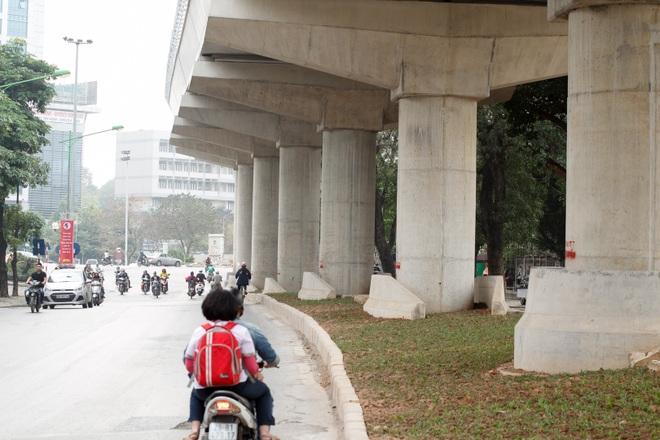 Metro Nhổn - ga Hà Nội thành hình đường trên cao xuyên qua phố phường Thủ đô - 9