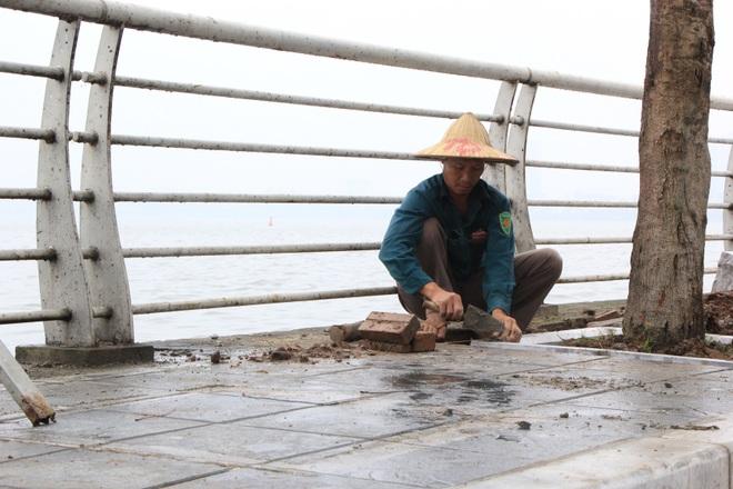 Hình ảnh các vỉa hè Hà Nội được thay mới bằng gạch vân đá - 15